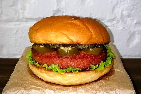 Гамбургер с халапеньо