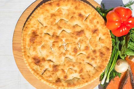 Осетинский пирог с сёмгой и помидорами (1200 г)