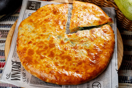 Пирог из пяти трав с сыром сулугуни