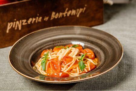 Спагетти томато помодоро