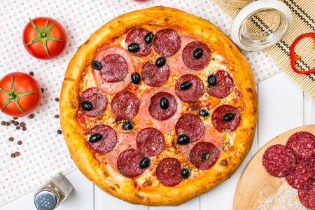 Пицца Ветчина и сыр американская