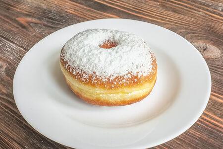 Пончик с вареной сгущенкой