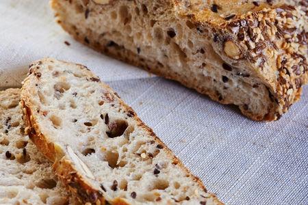 Хлеб Традициональ с миндалем и злаками