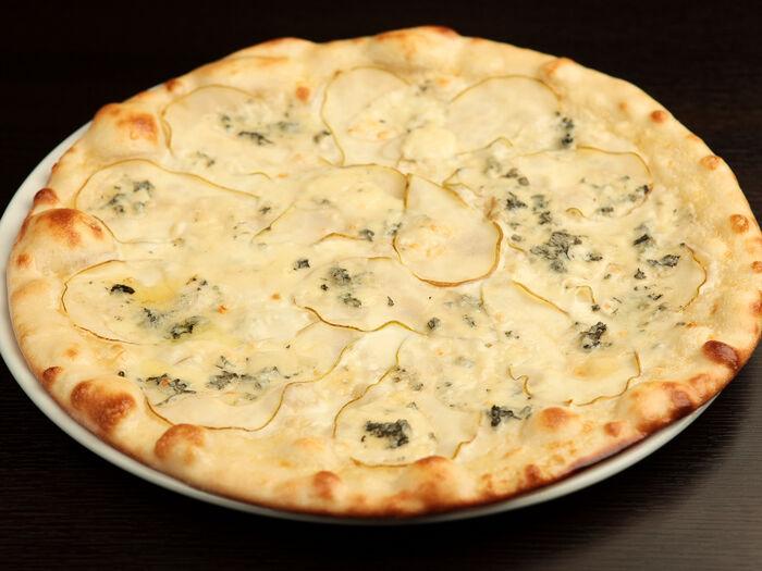 Пицца Груша с сыром горгонзола