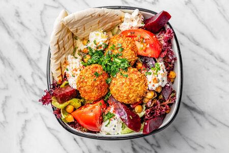 Салат Хумус со свеклой