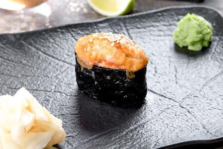Суши запеченные креветка