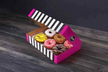 Набор из шести пончиков