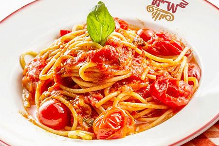 Спагетти с черри и базиликом