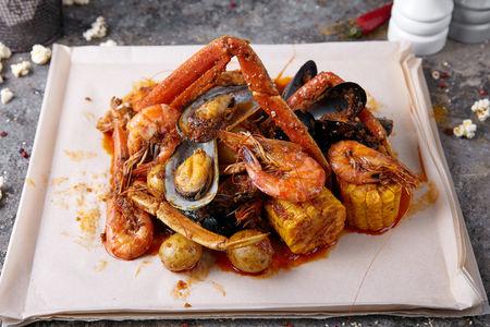 Большой набор морепродуктов