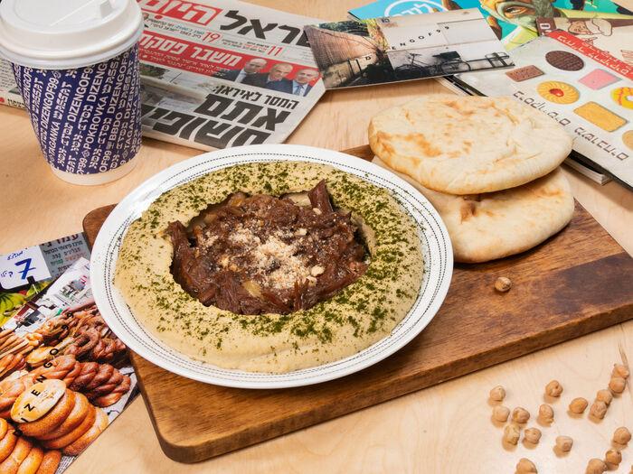 Хумус с мясом, две питы