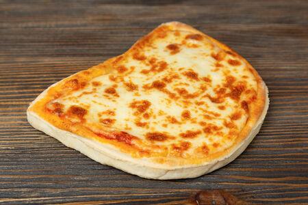 Пицца Фирменная с курицей и грибами