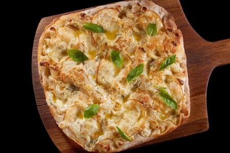 Пицца Кваттро формаджи