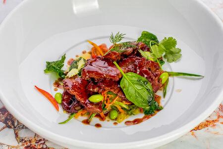 Говядина по-монгольски с овощами