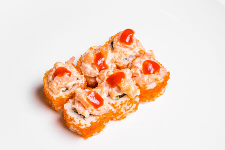 Ролл Острый с копченым лососем и креветкой