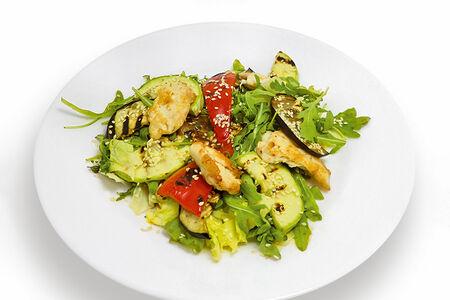 Теплый салат с овощами гриль