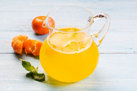 Домашний лимонад Мандарин-маракуйя