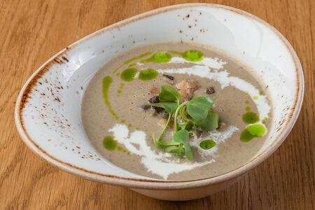 Классический крем-суп из белых грибов