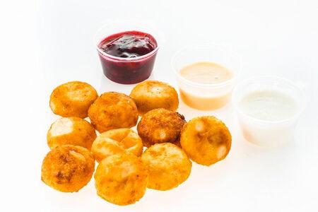 Мини-сырники со сгущёнкой