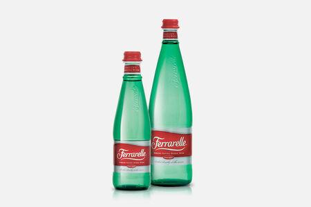 Минеральная вода Ferrarelle с газом
