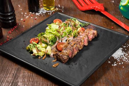 Салат-стейк с мраморной говядиной