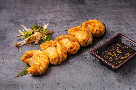 Тайские пельмени с курицей