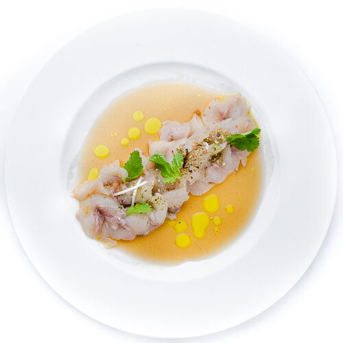 Карпаччо из дикого сибаса с соусом понзу