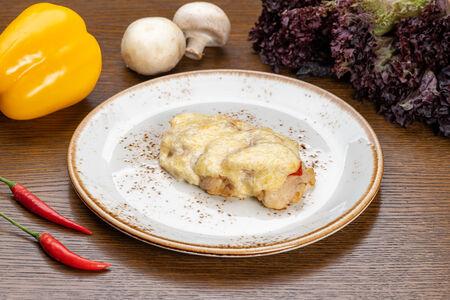 Филе куриной грудки с помидором и сыром
