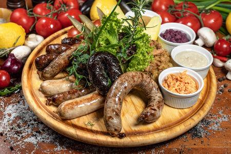 Колбасное ассорти гриль