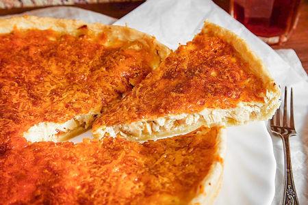 Пирог Лоранский с копченой курицей