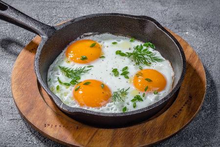 Яичница из трех яиц
