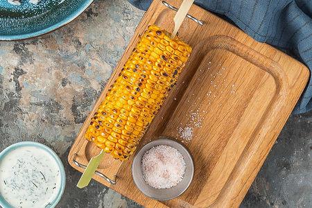Початок кукурузы на гриле