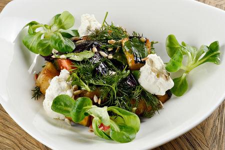 Теплый салат из баклажан с домашней сюзьмой