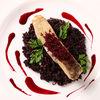 Фото к позиции меню Филе судака с рисом Венере и свекольно-имбирным соусом