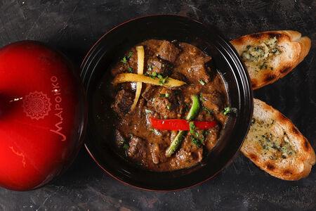 Тажин с говяжьей печенью в соусе по-мароккански