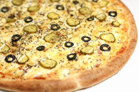 Пицца на толстом тесте Капричоза