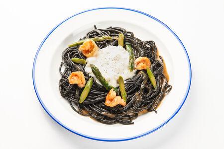 Паста Спагетти с чернилами каракатицы