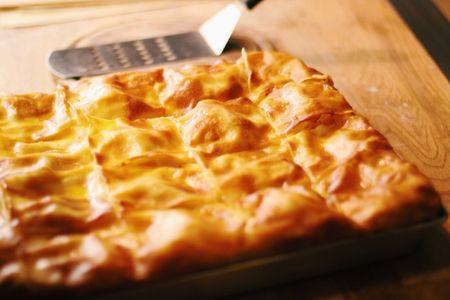 Ачма с сыром и помидорами