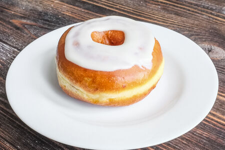 Пончик с пломбиром