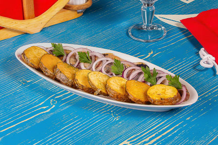 Селедочка с обжаренным картофелем
