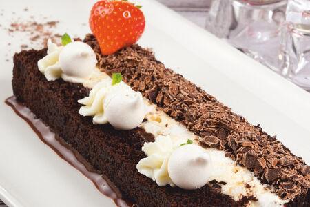 Торт Негрони с черносливом