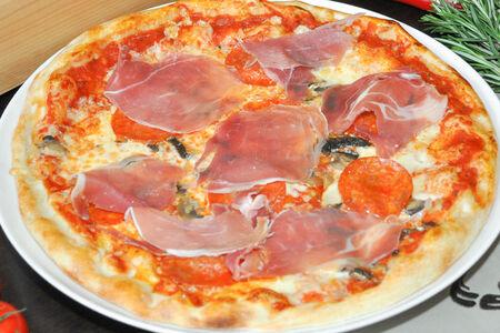 Пицца Прошутто и Салями