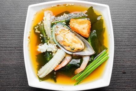Суп с морепродуктами острый