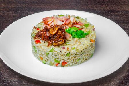Рис с беконом в XO соусе