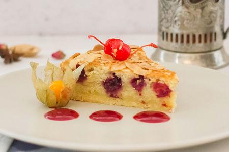 Миндально-вишневый пирог