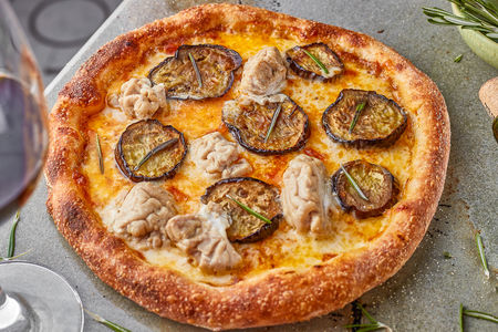 Пицца Баклажаны и телячьи мозги