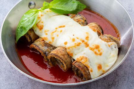 Баклажаны с томатным соусом и сыром