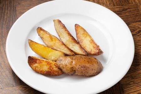 Картофель, жареный в мундире