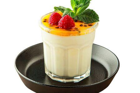 Десерт манго - маракуйя