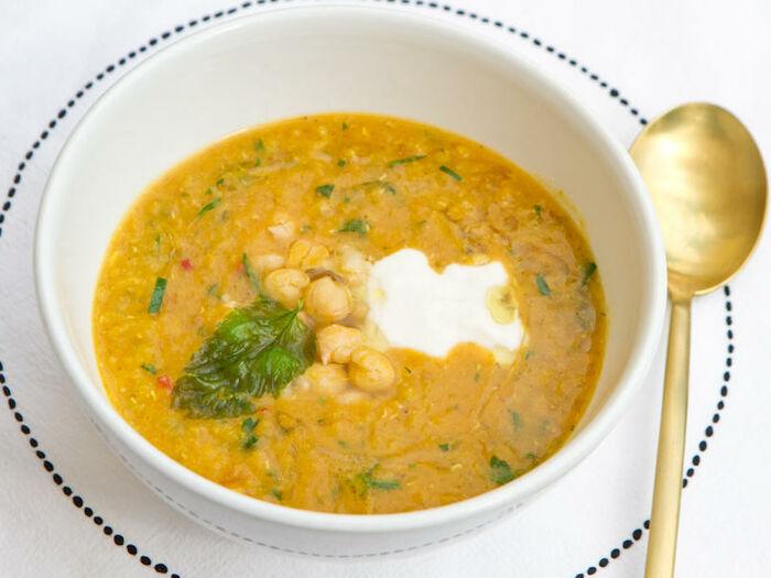 Вегетарианский суп из нута с кумином