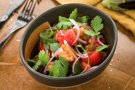 Салат из баклажанов с томатами